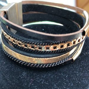 NWT magnetic bracelet gold tones with leather